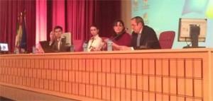 Mesa de las jornadas de Sevilla en la que ha intervenido Lola Fernández