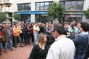 Concentración por el cierre de El Mundo Huelva Noticias