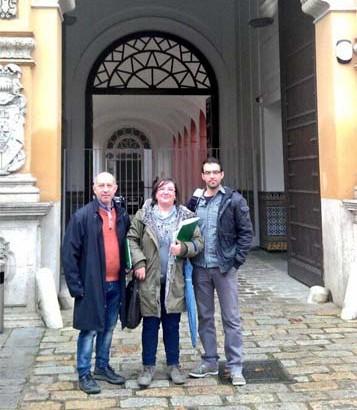 De izquierda a derecha, Francisco Terrón, Clara Aurrecoechea y Javier Díaz Muriana, representantes del SPA en la Mesa