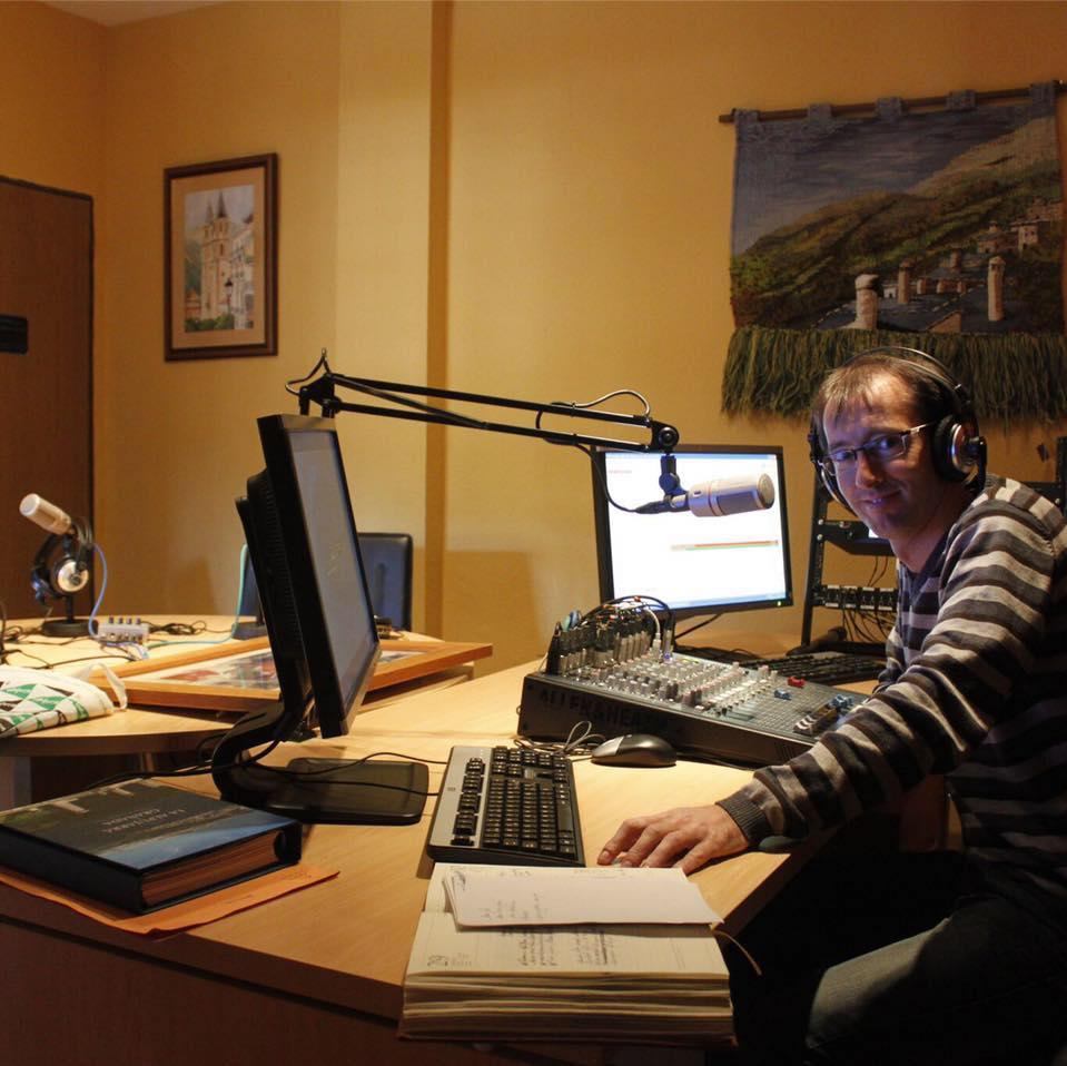 El SPA condena y lamenta el cierre de Alpujarra Radio, único medio comarcal de la Alpujarra granadina, creada en 2010 con fondos europeos